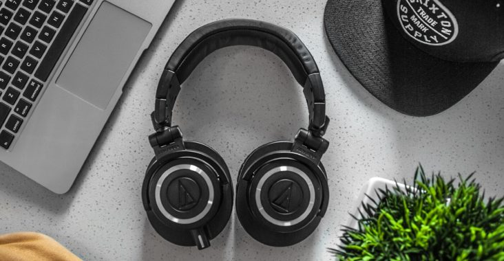 1689ad70afd 24 Of The Very Best Closed Back Headphones   Definitive Guide (2019)